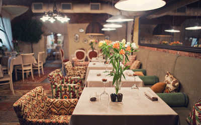 Банкетный зал ресторана Миндаль (Mindal Cafe) на проспекте Чернышевского фото 1