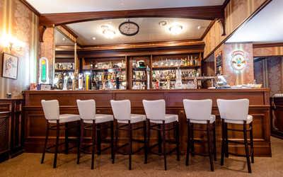 Банкетный зал паба Bolton Pub (Болтон Паб) на Морской набережной
