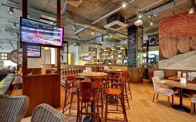 Банкетный зал пивного ресторана Рулька на Ленинском проспекте