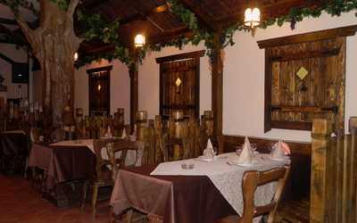 Банкетный зал ресторана Даиси (Daisi) в Ясном проезде