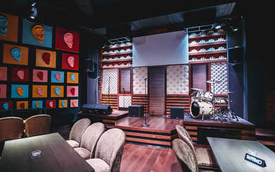 Банкетный зал бара, караоке клуба Karaoke Studio (Караоке студио) на улице Черняховского