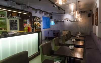Банкетный зал кафе Полянка на Колокольной улице