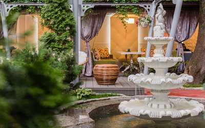 Банкетный зал ресторана Хороший год в 1-м Неопалимовском переулке
