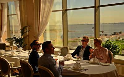 Банкетный зал ресторана Яхт-Клуб на Портовой улице фото 3