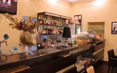 Банкетный зал кафе Кофе Шенк в Газетном переулке