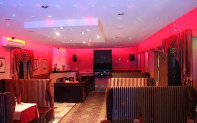 Банкетный зал бара, кафе Весна на Шоссейной улице