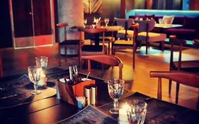 Банкетный зал бара, кафе The Maze на Парадной улице фото 2