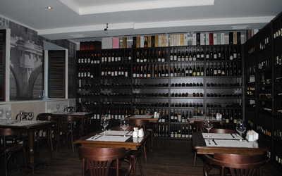 Банкетный зал бара, ресторана TerraVino (ТерраВино) на улице Восстания
