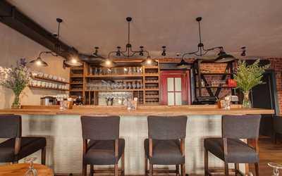 Банкетный зал бара, ресторана Tatin (Татин) на Малом проспекте П.С.