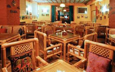 Банкетный зал кафе, ресторана Go Goa (Гоу Гоа) в набережной канале Грибоедовой