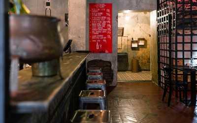 Банкетный зал бара, ресторана Винный Шкаф на улице Рубинштейна