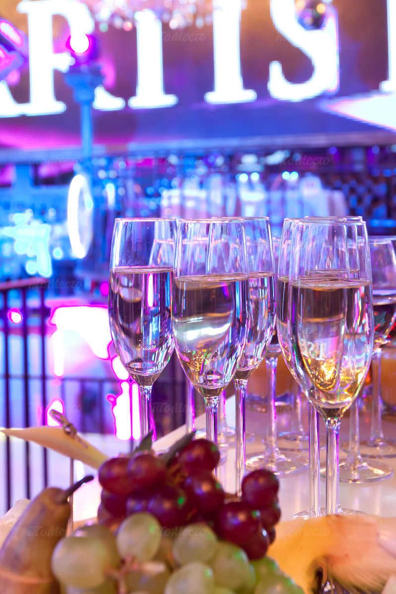 Меню ночного клуба, ресторана The Artist (Артист) на Рочдельской улице