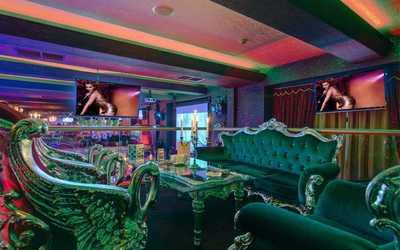 Банкетный зал караоке клуба, ресторана Esperanto Lounge на Вятской улице