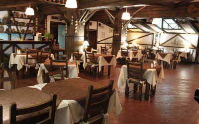 Банкетный зал ресторана Старая мансарда на улице Усачева