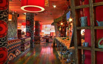 Банкетный зал ресторана Чайхана Дыня на Озерной улице