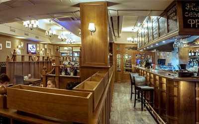 Банкетный зал бара, ресторана Beef&Beer на Петрозаводской улице