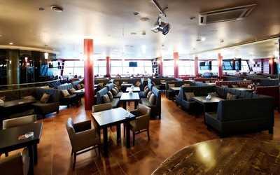 Банкетный зал бара, ресторана Король Гамбринус на проспекте Испытателей фото 1