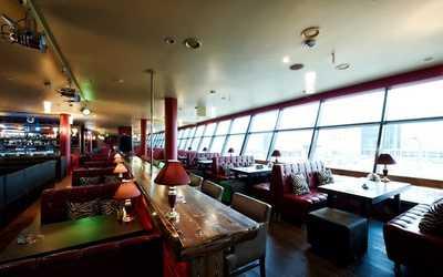 Банкетный зал бара, ресторана Король Гамбринус на проспекте Испытателей фото 2