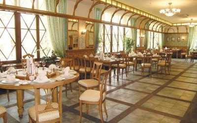 Банкетный зал ресторана Троекуров на улице Малышева