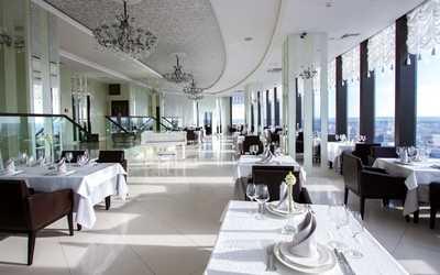 Банкетный зал ресторана Вертикаль (Космос) на улице Малышева