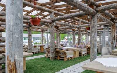 Банкетный зал ресторана Гуси-Лебеди на Коломяжском проспекте