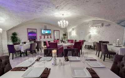 Банкетный зал бара, ресторана The Podwall (Подвал) в Китайгородском проезде