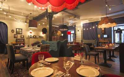 Банкетный зал кафе Батони в Новослободской фото 1