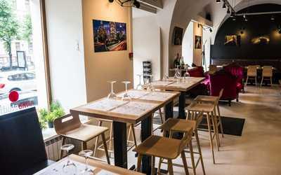 Банкетный зал бара Vinostudia (Виностудия) на Большой Конюшенной фото 3