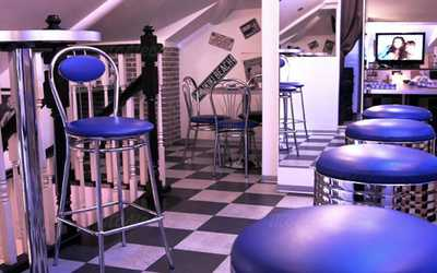Банкетный зал кафе, ресторана Frendy's Diner на улице Покровка