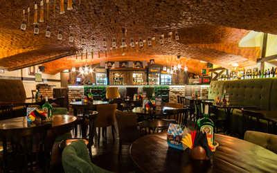 Банкетный зал пивного ресторана Кнайпе Jager Haus (Ягер Хаус) в Итальянской фото 1