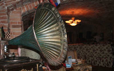 Банкетный зал бара, кафе Хитровка в Ленине