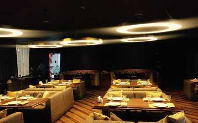 Банкетный зал караоке клуба, ресторана LIFE (ЛАЙФ) на Осеннем бульваре