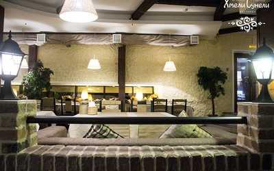 Банкетный зал ресторана Хмели-Сунели в Энгельсе