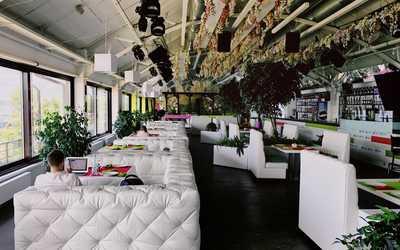 Банкетный зал бара ЯР на улице Лесной фото 1