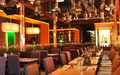 Банкетный зал ресторана Три Оленя на Московском шоссе