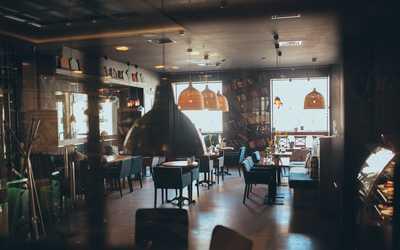 Банкетный зал бара, кафе Свитер на Профсоюзной улице