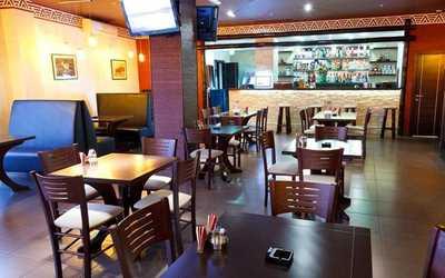 Банкетный зал ресторана ZulluS (Зулус) в Аврорах