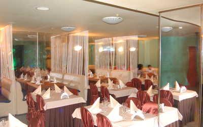 Банкетный зал кафе Софи в Лесковой