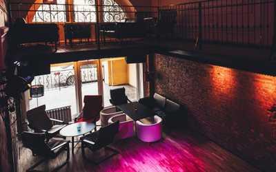 Банкетный зал бара Resident (Резидент) в Ломоносовой