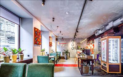 Банкетный зал кафе Why Not на Колокольной улице