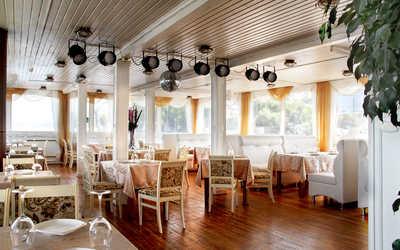 Банкетный зал ресторана Старая пристань на Ульяновском спуске