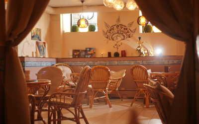 Банкетный зал кафе Дели (Delhi (бывшее кафе Индиго)) на Разъезжей улице
