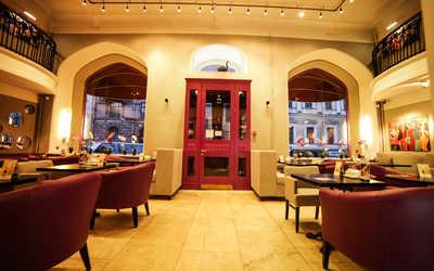 Банкетный зал бара, кафе, ресторана Буржуа на Большой Морской улице