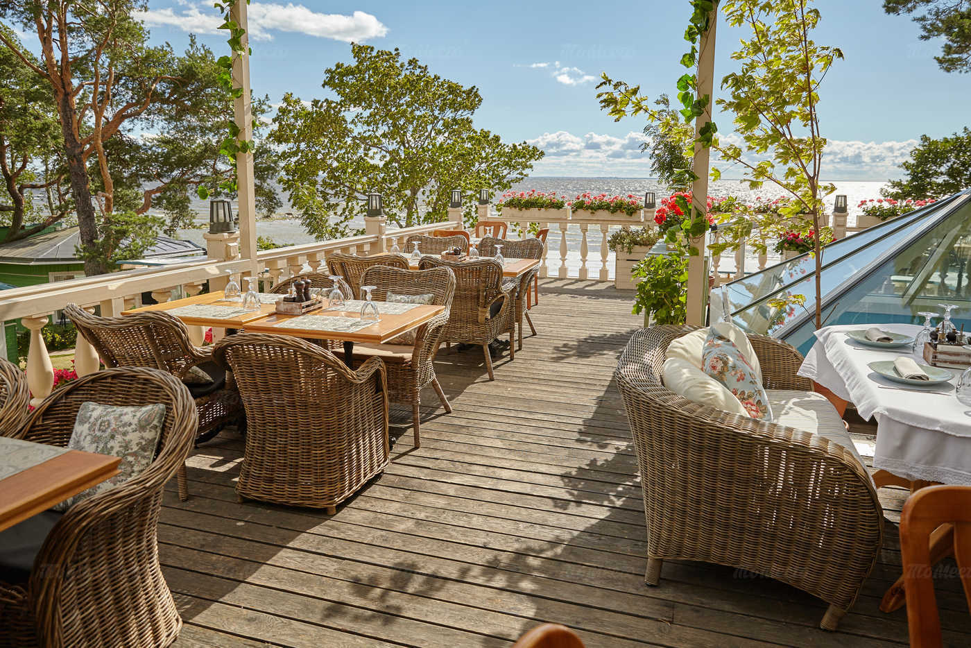 Меню ресторана Наша Dacha (Наша Дача) на Приморском шоссе