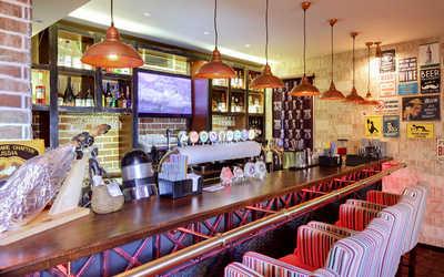 Банкетный зал бара, паба Реальные Кабаны на Новослободской улице