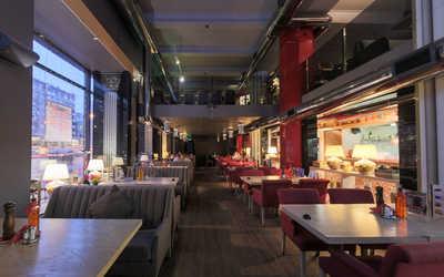 Банкетный зал кафе, ресторана Перчини РыбаРис на Краснопрудной улице