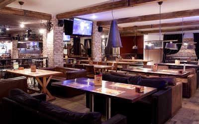 Банкетный зал ночного клуба, пивного ресторана Максимилиан (Maximilian) на проспекте Энгельса