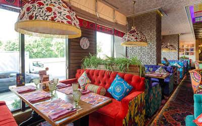 """Банкетный зал ресторана Чайхана """"Павлин Мавлин"""" на Аминьевском шоссе фото 1"""