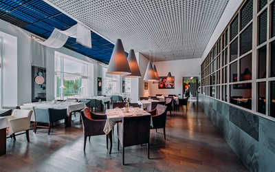 Банкетный зал ресторана Pomegranate Premium на Новочеркасском проспекте