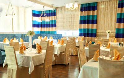 Банкетный зал бара, кафе Адмирал на улице Пархоменко